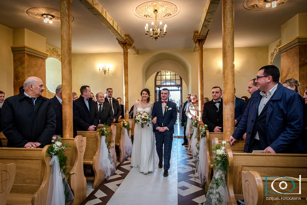 kościół Woźniki - Fotografia ślubna