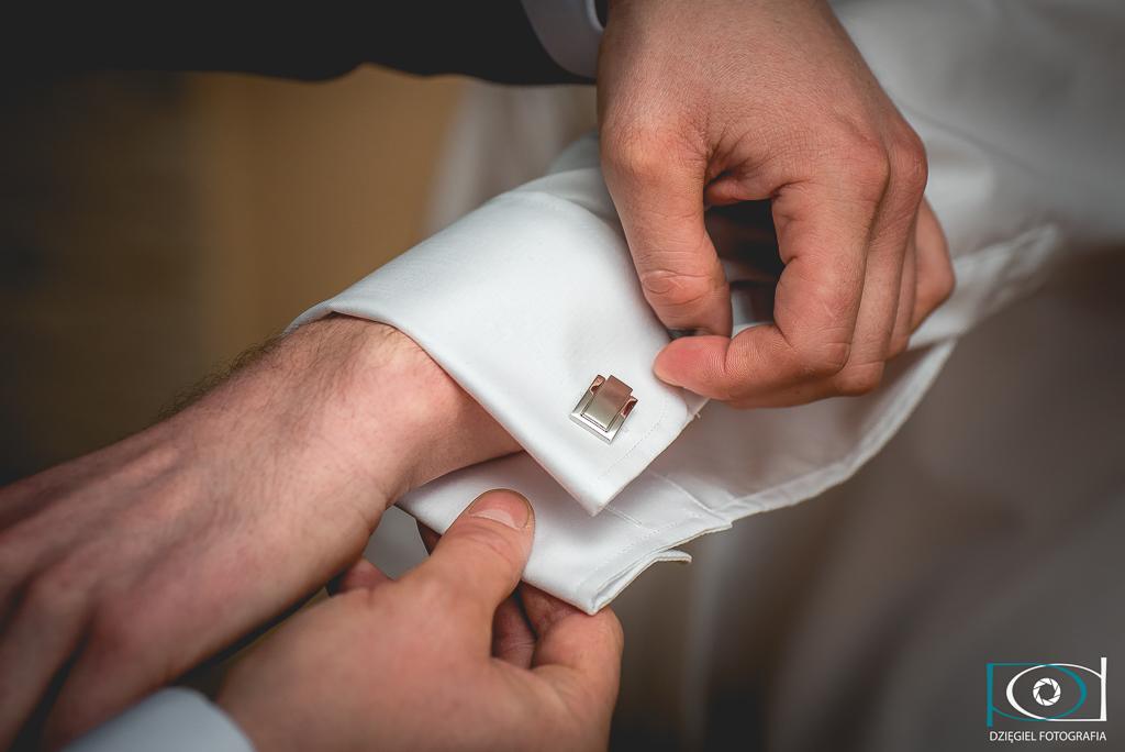 mankiety ślubne