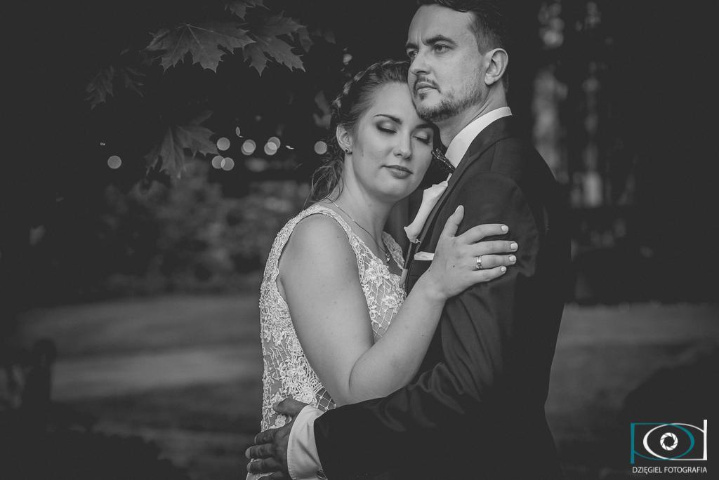 Magdalena i Paweł - zakochana para ślubna