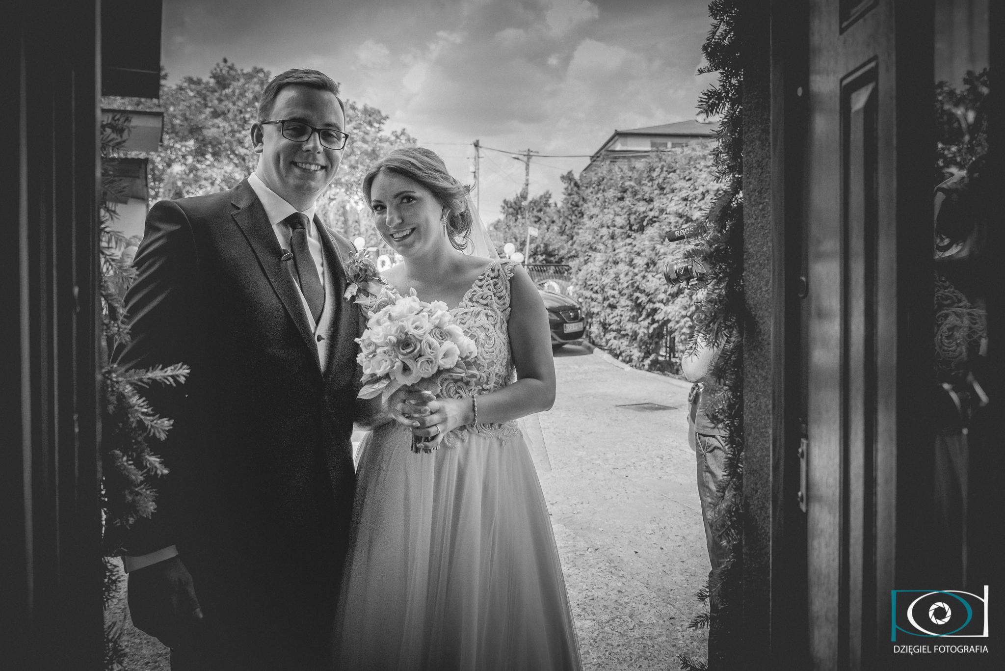 zdjęcie z ukrycia -ślub