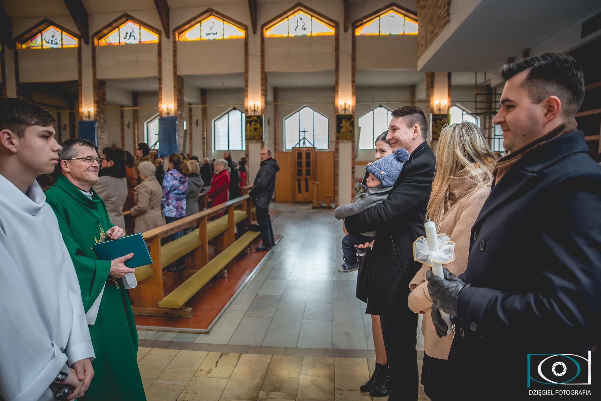 zdjęcie w kościele, sosnowiec chrzest