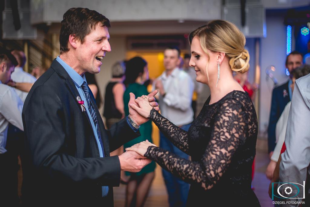 troche ruchu-tańce weselne